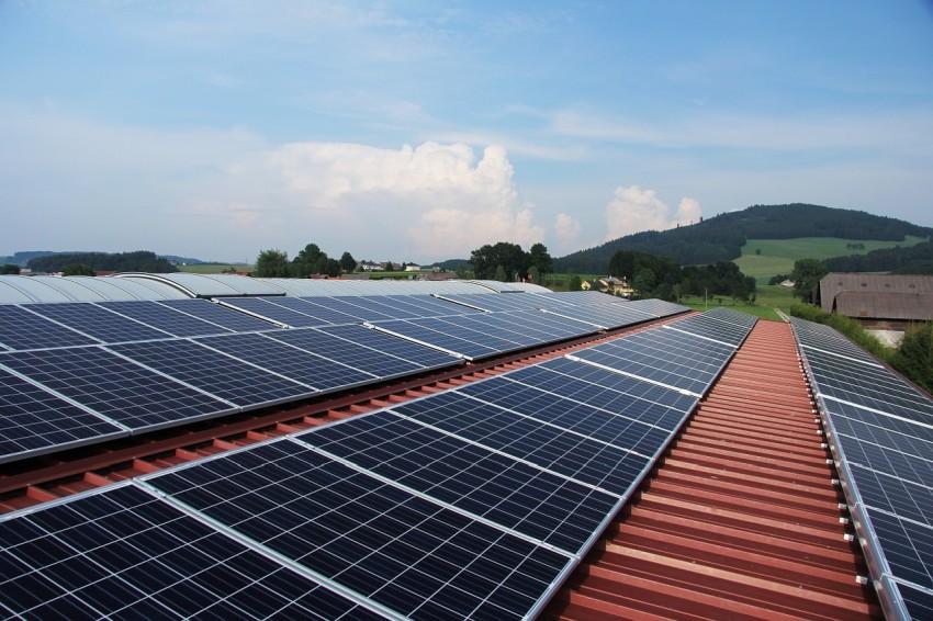 razsmerniki za sončne elektrarne cena